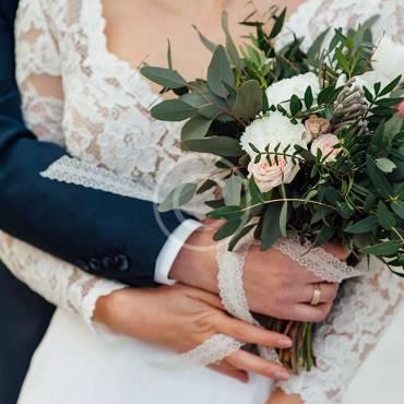 Bride's & Bridesmaids' Bouquets